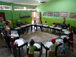 speels leren schrijven voorbereidend onderwijs vrijwilligerswerk Peru